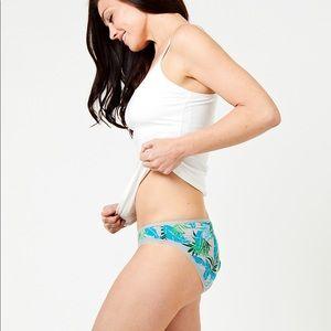 NWT Pact Classic Bikini + Thong Undies Bundle M 🌟
